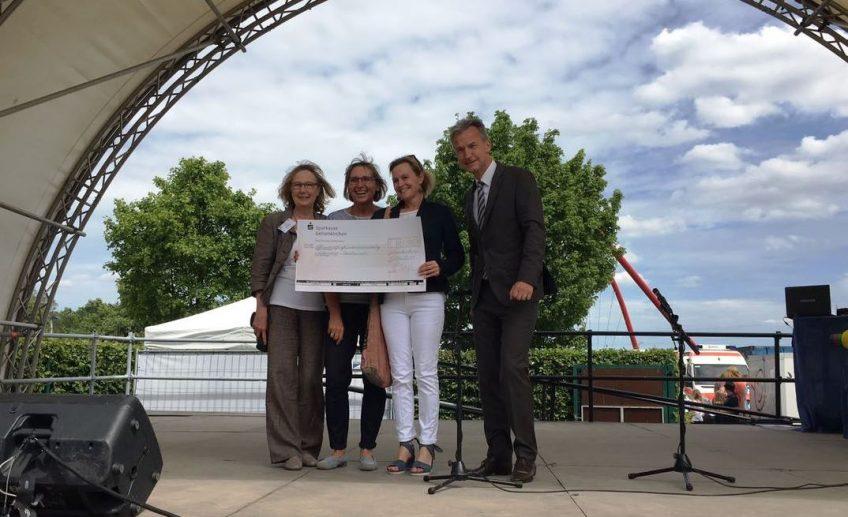 GeKitas backen fürs Friedensdorf