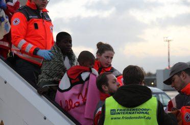 Friedensdorf holt über 60 Kinder aus Angola