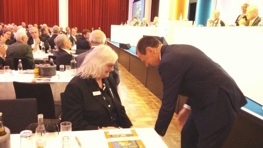 Wertepreis für Friedensdorf-Ehrenamtliche