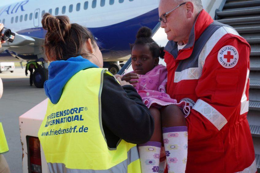 Friedensdorf beendet den 63. Angola-Hilfsflug
