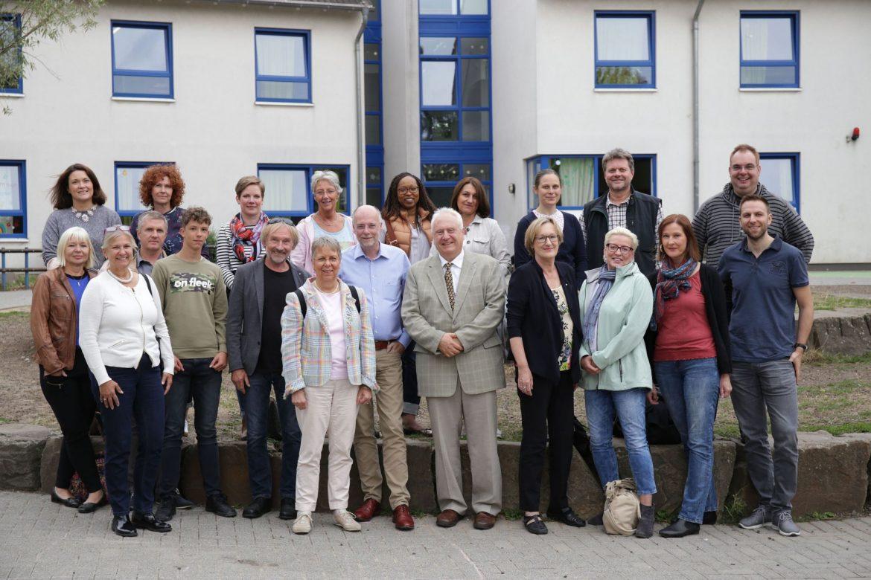 Lions Mitarbeiter besuchen das Friedensdorf