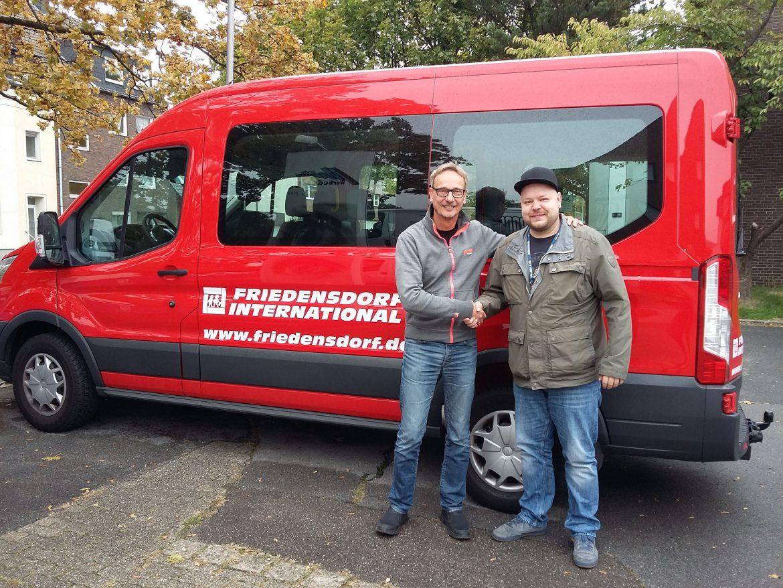 Martini-Werbedesign aus Oberhausen unterstützt Friedensdorf International