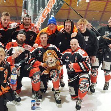 Eishockey-Team tut Gutes zum Weihnachtsfest