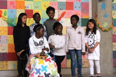 Große Party für die angolanischen und gambischen Kinder