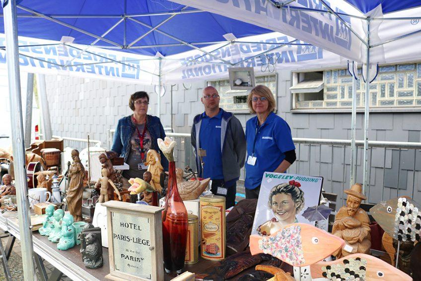 Warum auch Oma's altes Kaffeeservice den Friedensdorf-Kindern helfen kann