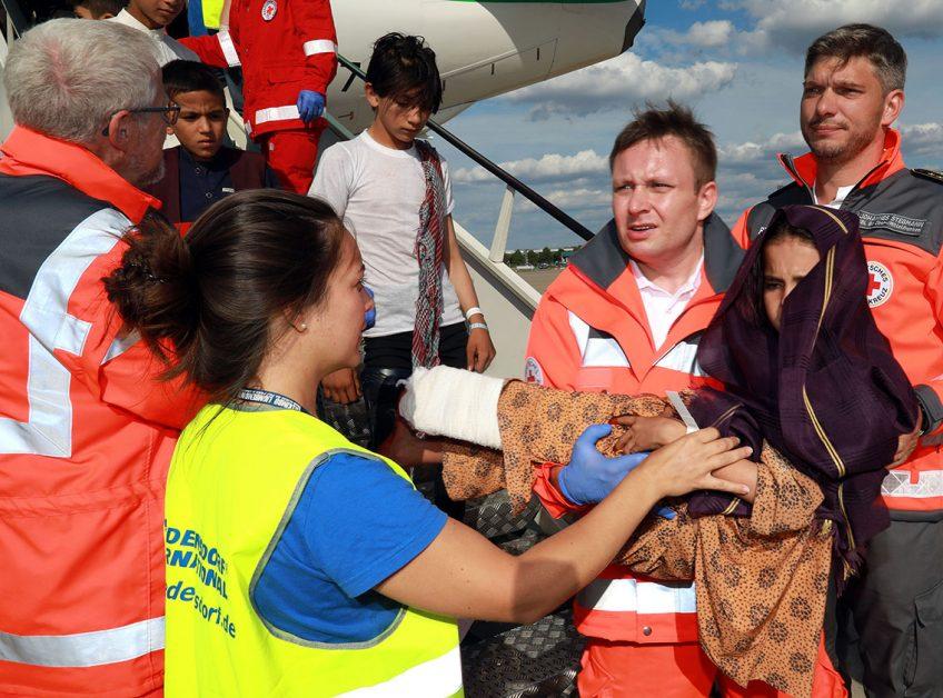 Friedensdorf International holt Kinder zur medizinischen Behandlung