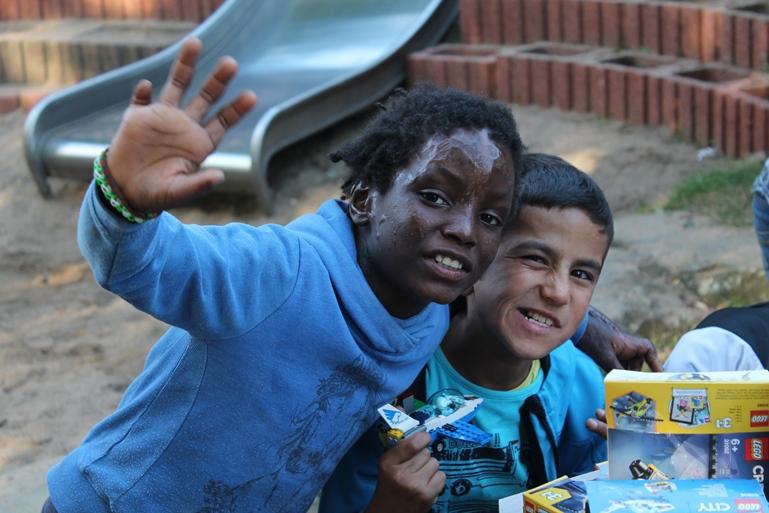 Die Kinder konnten an vielen Ständen malen, basteln und einfach Spaß haben.