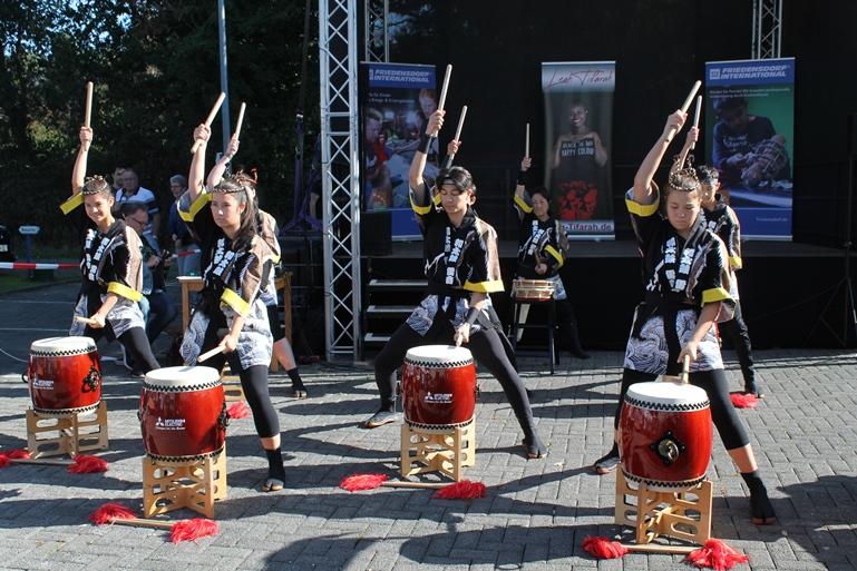 Die Taiko Kids sind schon seit vielen Jahren Teil des Programms - und begeistern immer wieder.