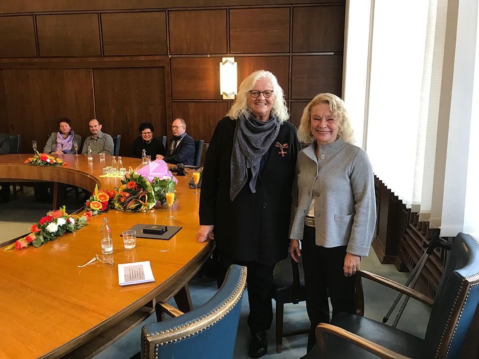 Marion Kaluza erhält Bundesverdienstkreuz
