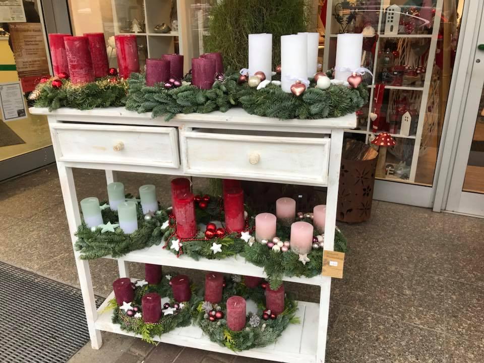 Horcht was kommt von Draußen rein? Gemütlicher Weihnachtsmarkt bei Friedensdorf International