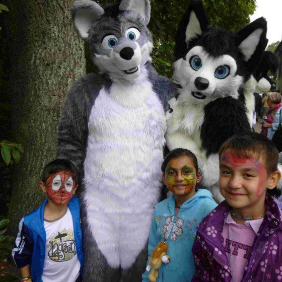 Die Furrys sind bei den Friedensdorf-Kindern sehr beliebt. (Foto: 2015)