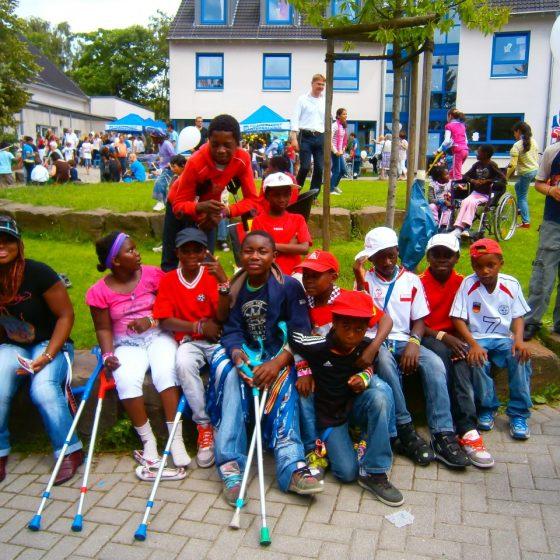Für die Friedensdorf-Kinder ist das Dorffest immer etwas ganz Besonderes.