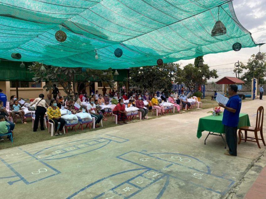 Erneute Lebensmittelverteilung in Kambodscha
