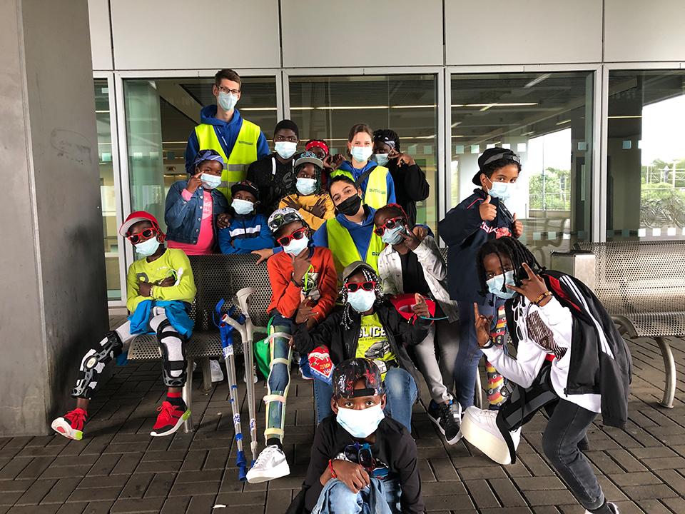 Gelandet! Genesene Kinder sind in Angola angekommen